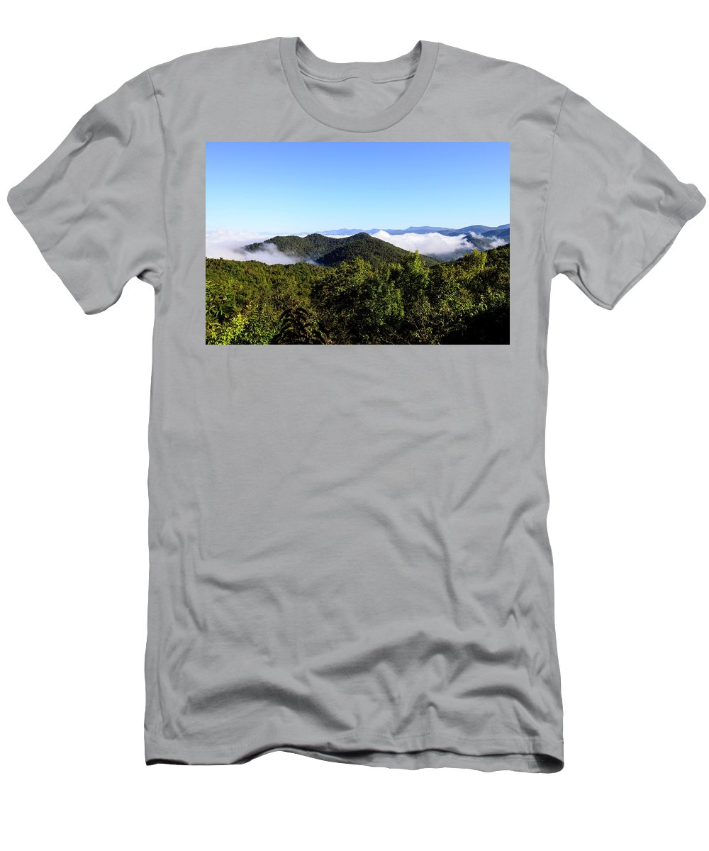 Blue Ridge Mountains Men's T-Shirt (Athletic Fit) featuring the photograph Cowee Overlook At Black Rock Mountain State Park by Steve Samples