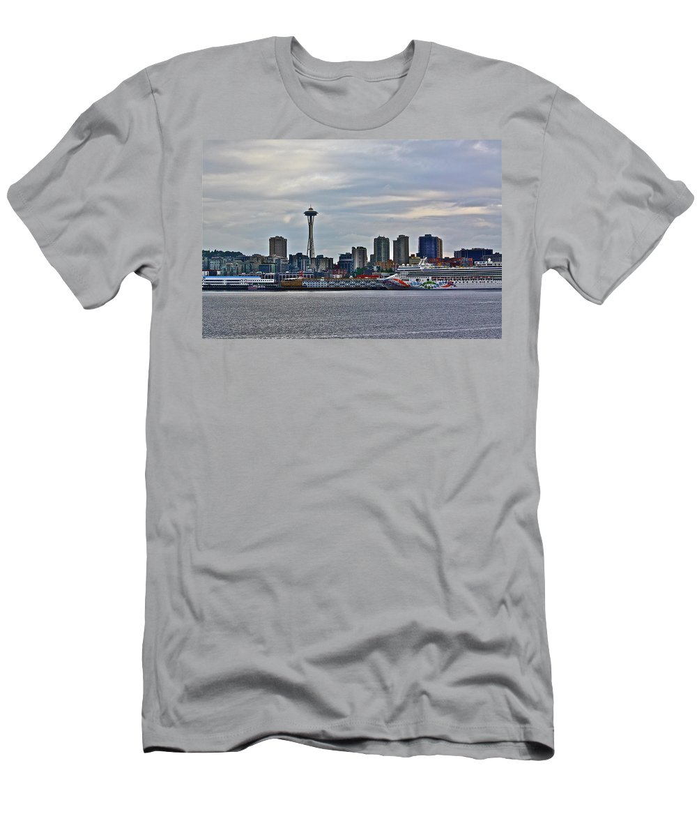 Cruise Men's T-Shirt (Athletic Fit) featuring the photograph Cruise Ahead by Diana Hatcher