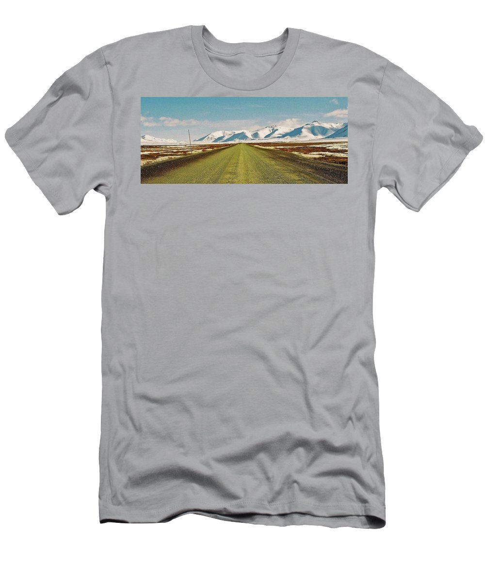 North America Men's T-Shirt (Athletic Fit) featuring the photograph Dempster Highway - Yukon by Juergen Weiss