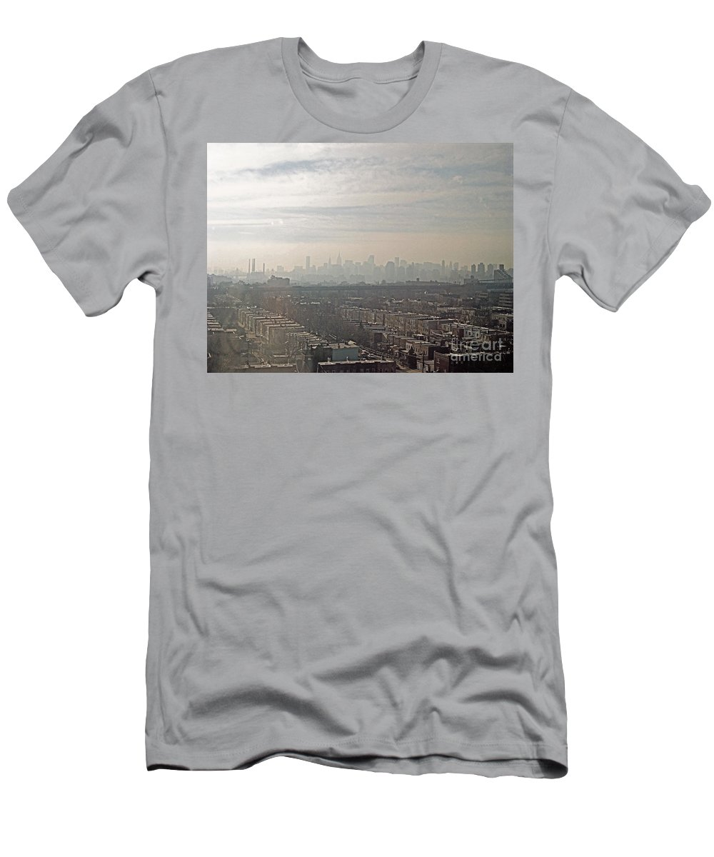 Brooklyn Men's T-Shirt (Athletic Fit) featuring the photograph Distant City by Paulette B Wright