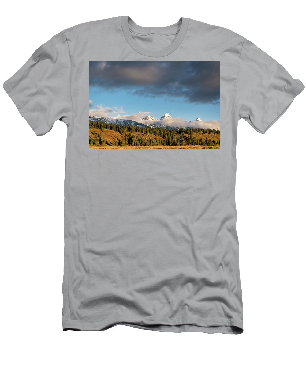 Sunset Men's T-Shirt (Athletic Fit) featuring the photograph Fall In Wyoming by Jeremy Duguid