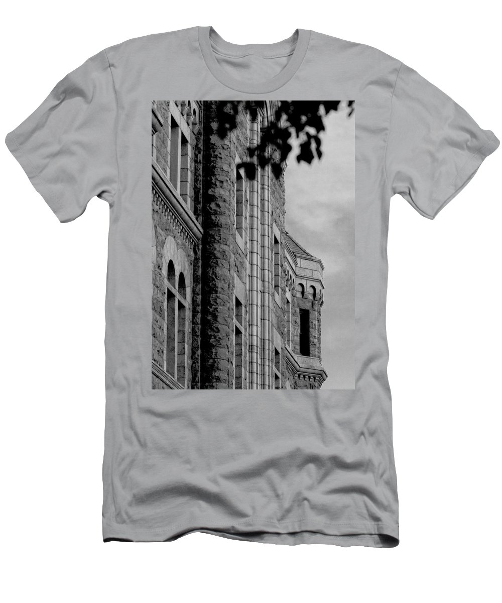 Sioux Falls Men's T-Shirt (Athletic Fit) featuring the photograph Federal by Mike Oistad