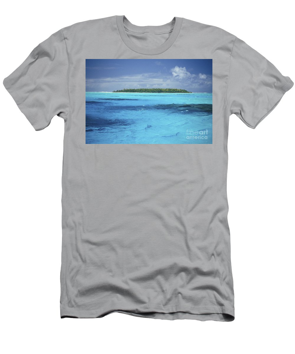 Afternoon Men's T-Shirt (Athletic Fit) featuring the photograph Floating Island by Kyle Rothenborg - Printscapes