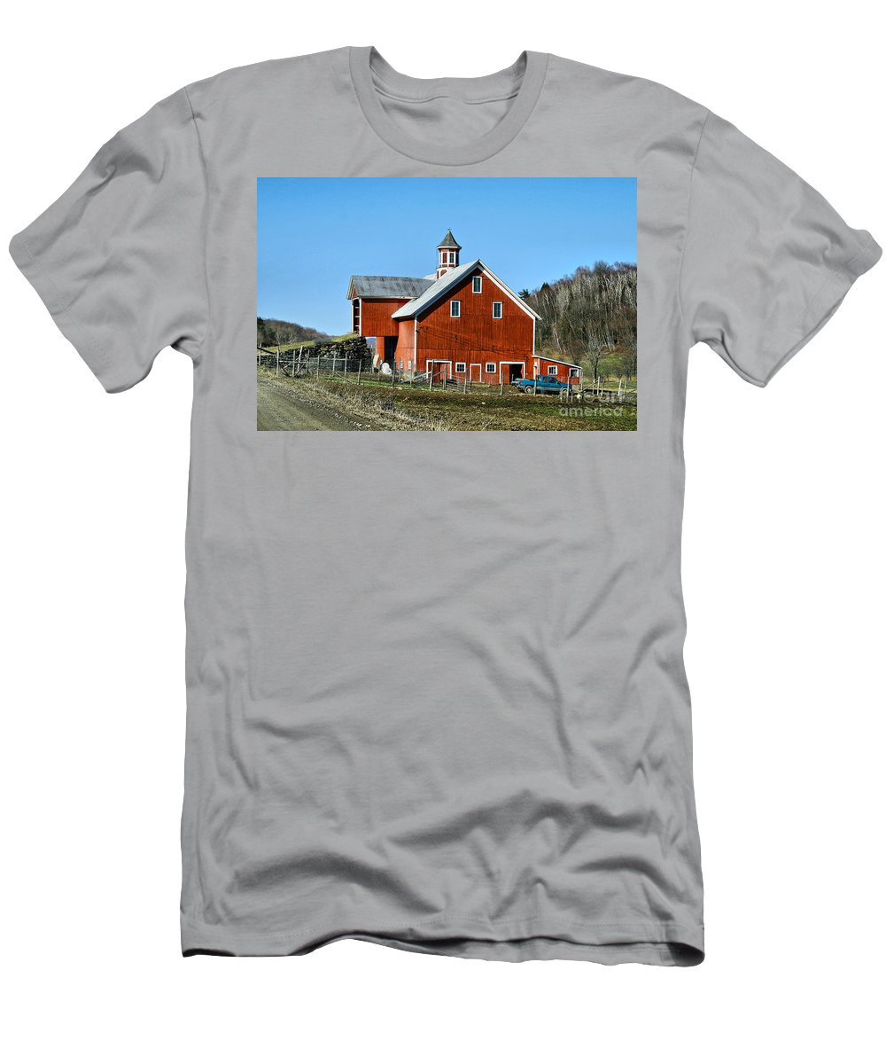 Barn Men's T-Shirt (Athletic Fit) featuring the photograph Franklin Spring Barn by Deborah Benoit