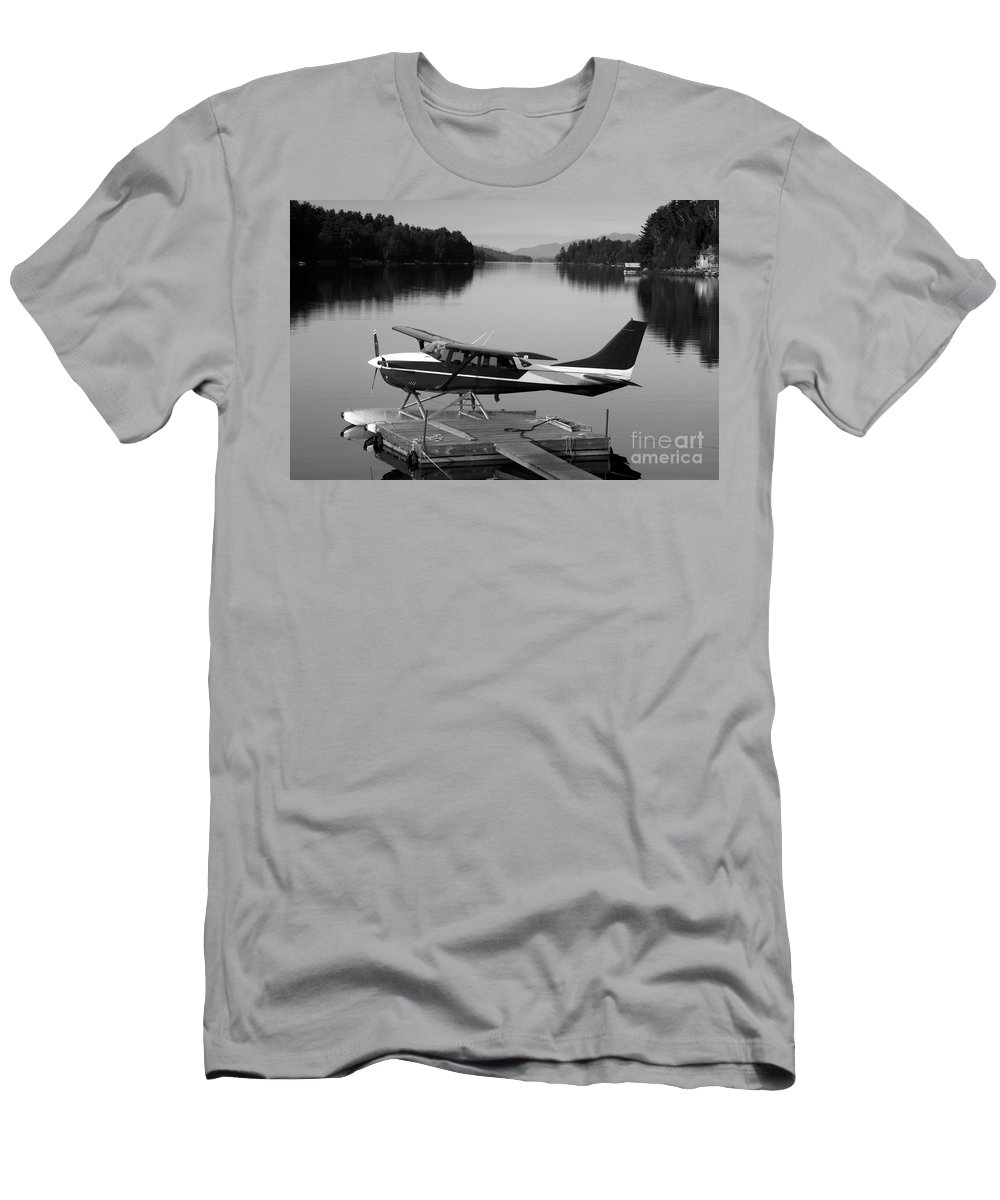 Float Plane T-Shirt featuring the photograph Getting Away by David Lee Thompson