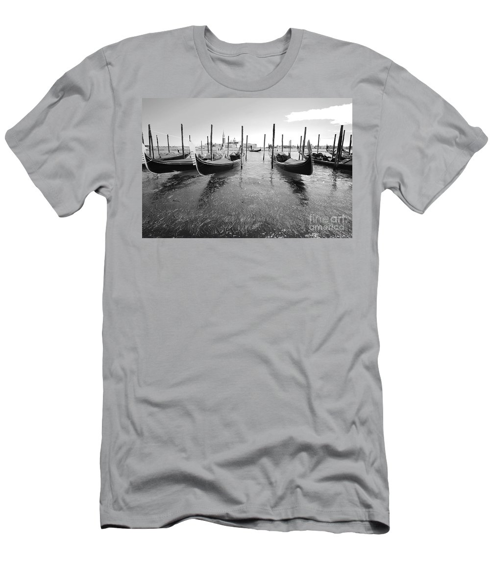 Gondolier Men's T-Shirt (Athletic Fit) featuring the photograph Gondolier In The Distance by Floyd Menezes