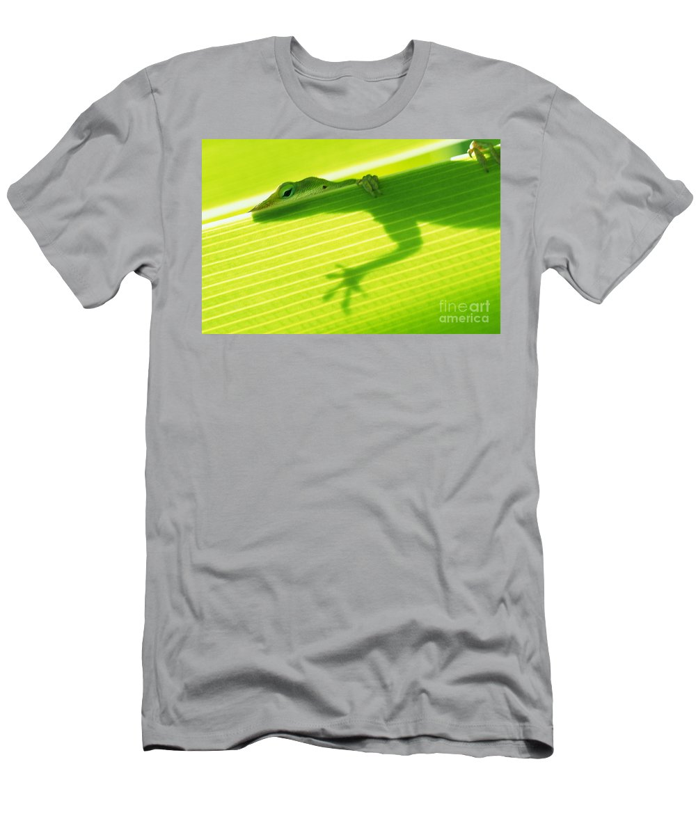 76-csw0115 Men's T-Shirt (Athletic Fit) featuring the photograph Green Lizard by Bill Brennan - Printscapes