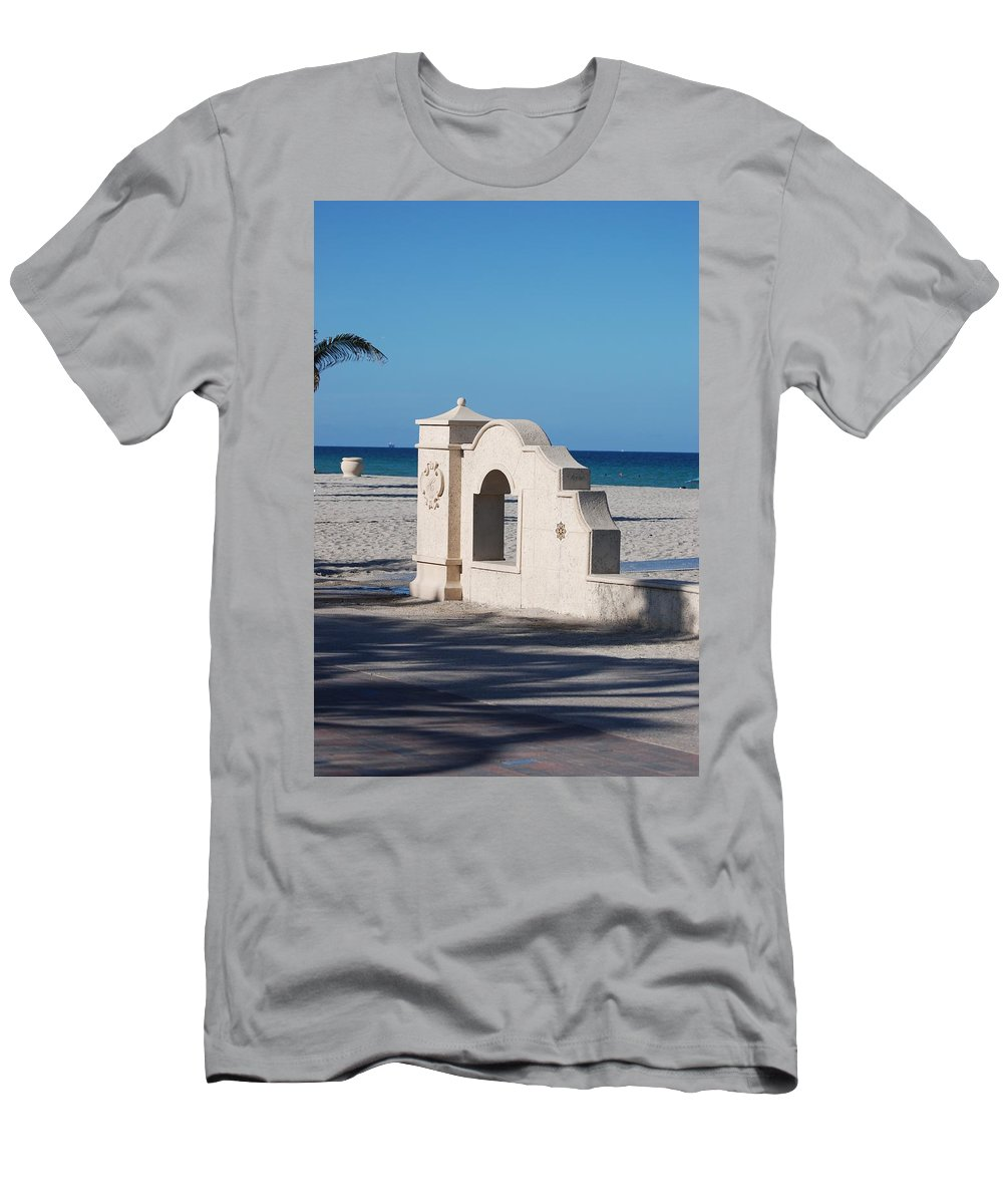 Beach Men's T-Shirt (Athletic Fit) featuring the photograph Hollywood Beach Wall In Color by Rob Hans