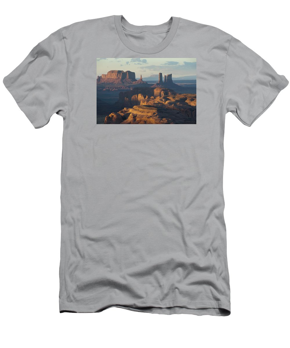 Monument Men's T-Shirt (Athletic Fit) featuring the photograph Hunt's Mesa View 7602 by Bob Neiman