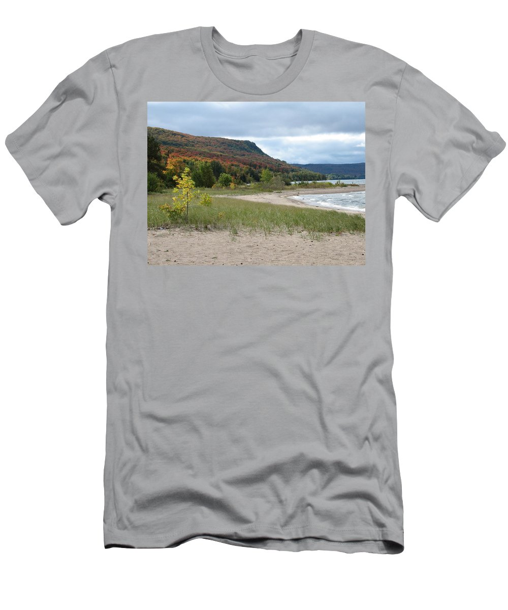 Beach Men's T-Shirt (Athletic Fit) featuring the photograph Independence by Kelly Mezzapelle