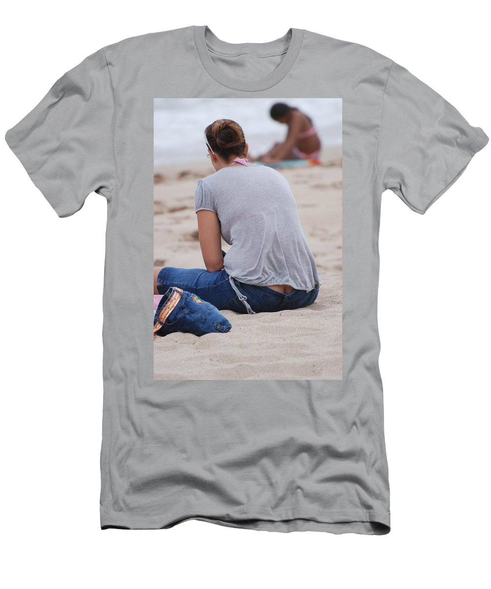 Girl Men's T-Shirt (Athletic Fit) featuring the photograph Indiana Girl by Rob Hans