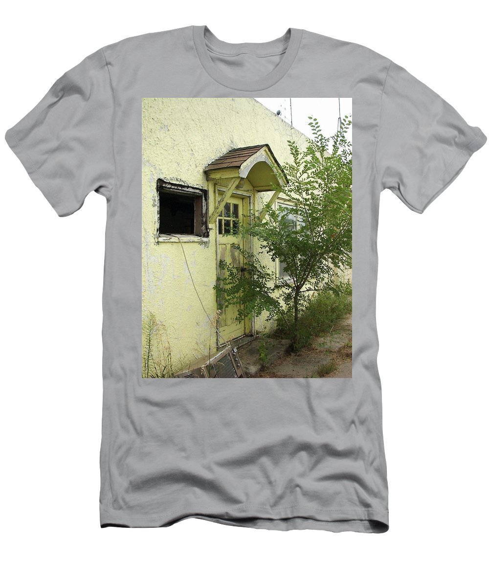 Yellow Men's T-Shirt (Athletic Fit) featuring the photograph Lazy U Yellow Room by Cindy New