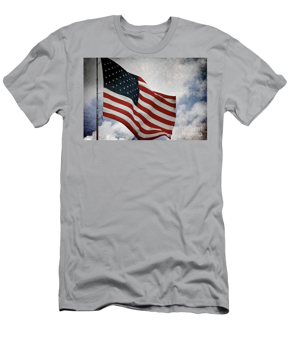 Flag Men's T-Shirt (Athletic Fit) featuring the photograph Liberty by Scott Pellegrin