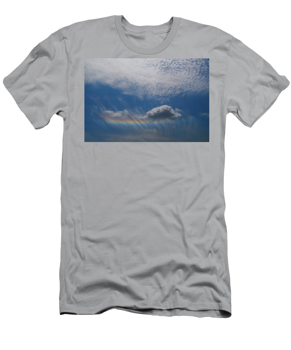 Sky Men's T-Shirt (Athletic Fit) featuring the photograph Look At The Sky by Tom Nix