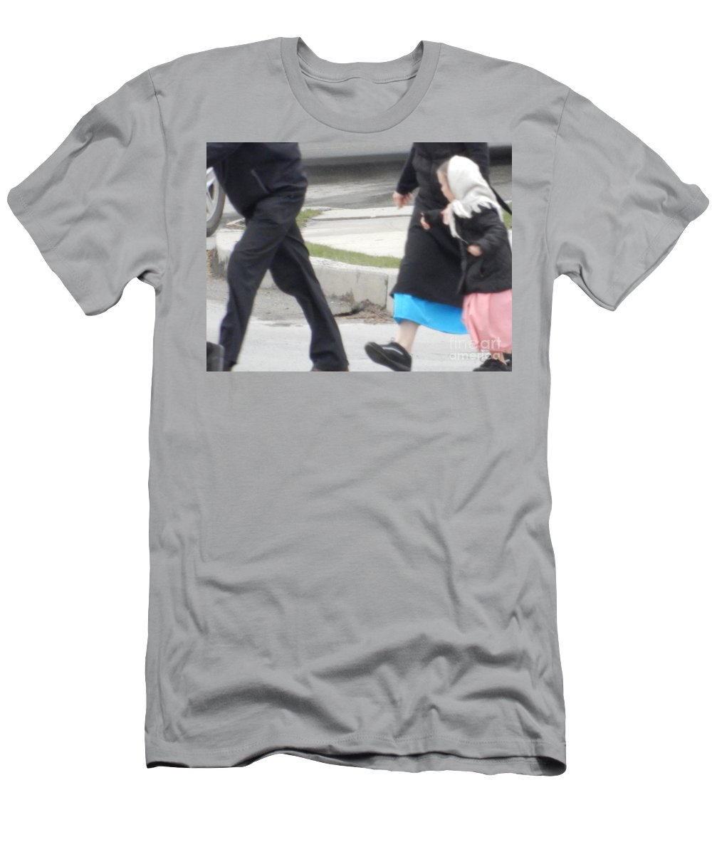 Amish Men's T-Shirt (Athletic Fit) featuring the photograph Looking At Mom by Christine Clark
