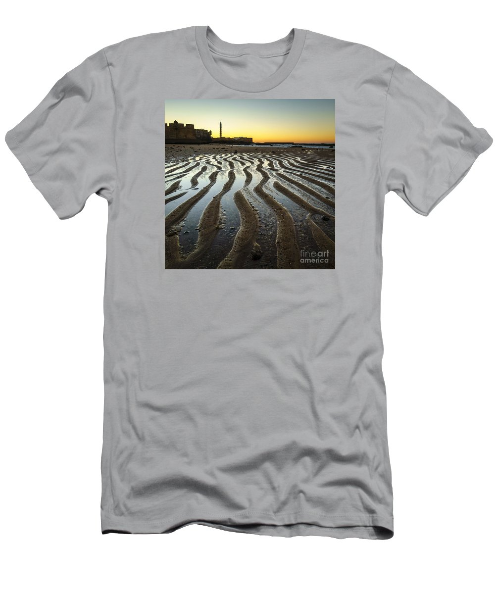 1812 Men's T-Shirt (Athletic Fit) featuring the photograph Low Tide On La Caleta Cadiz Spain by Pablo Avanzini