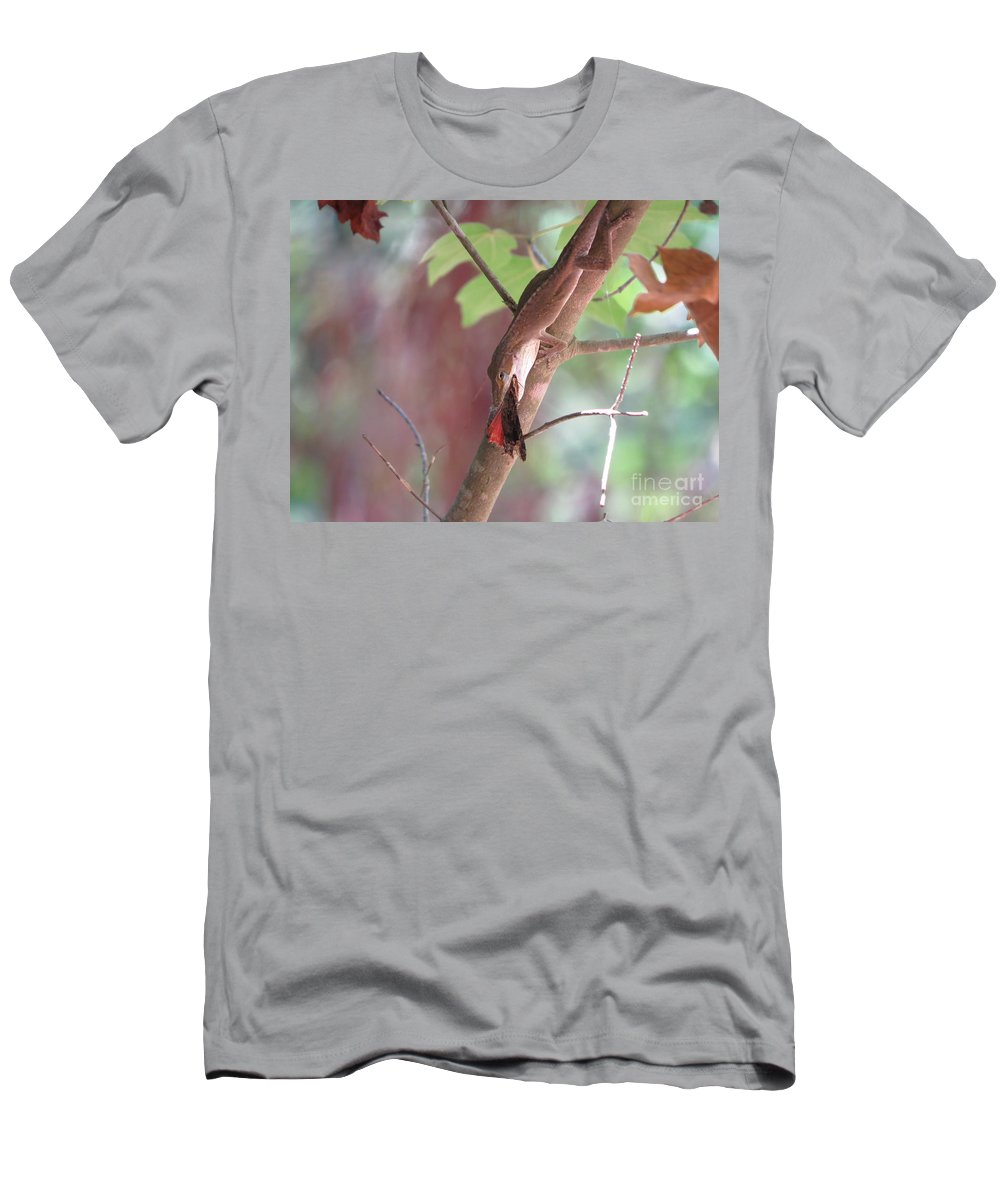 Lizard Men's T-Shirt (Athletic Fit) featuring the photograph Mealtime by Charles Green