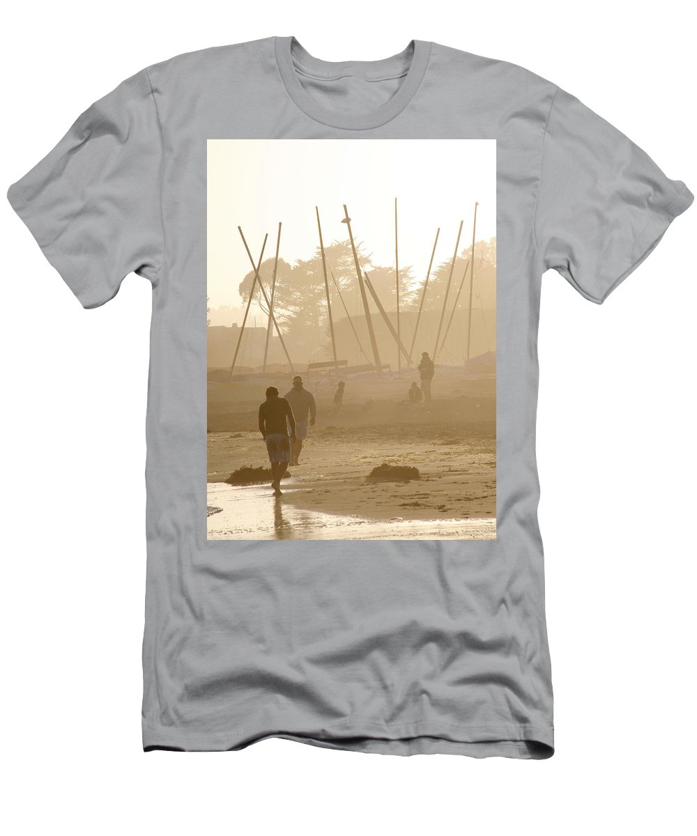 Americana Men's T-Shirt (Athletic Fit) featuring the photograph Men And Marina by Marilyn Hunt