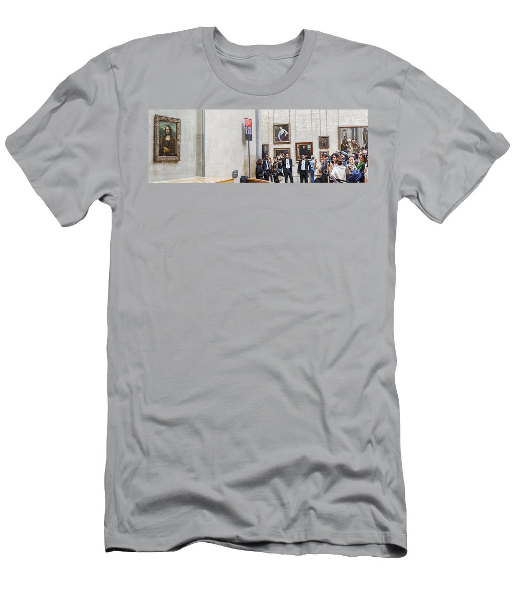 People Men's T-Shirt (Athletic Fit) featuring the photograph Mona Lisa, Louvre Museum, Paris by Babak Tafreshi