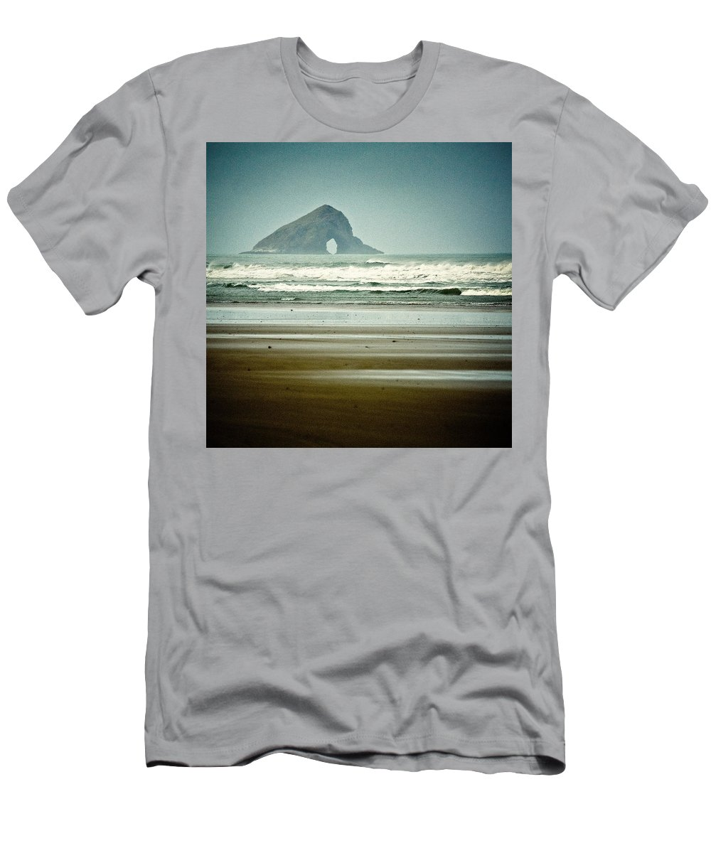 Seascape Men's T-Shirt (Athletic Fit) featuring the photograph Ninety Mile Beach by Dave Bowman