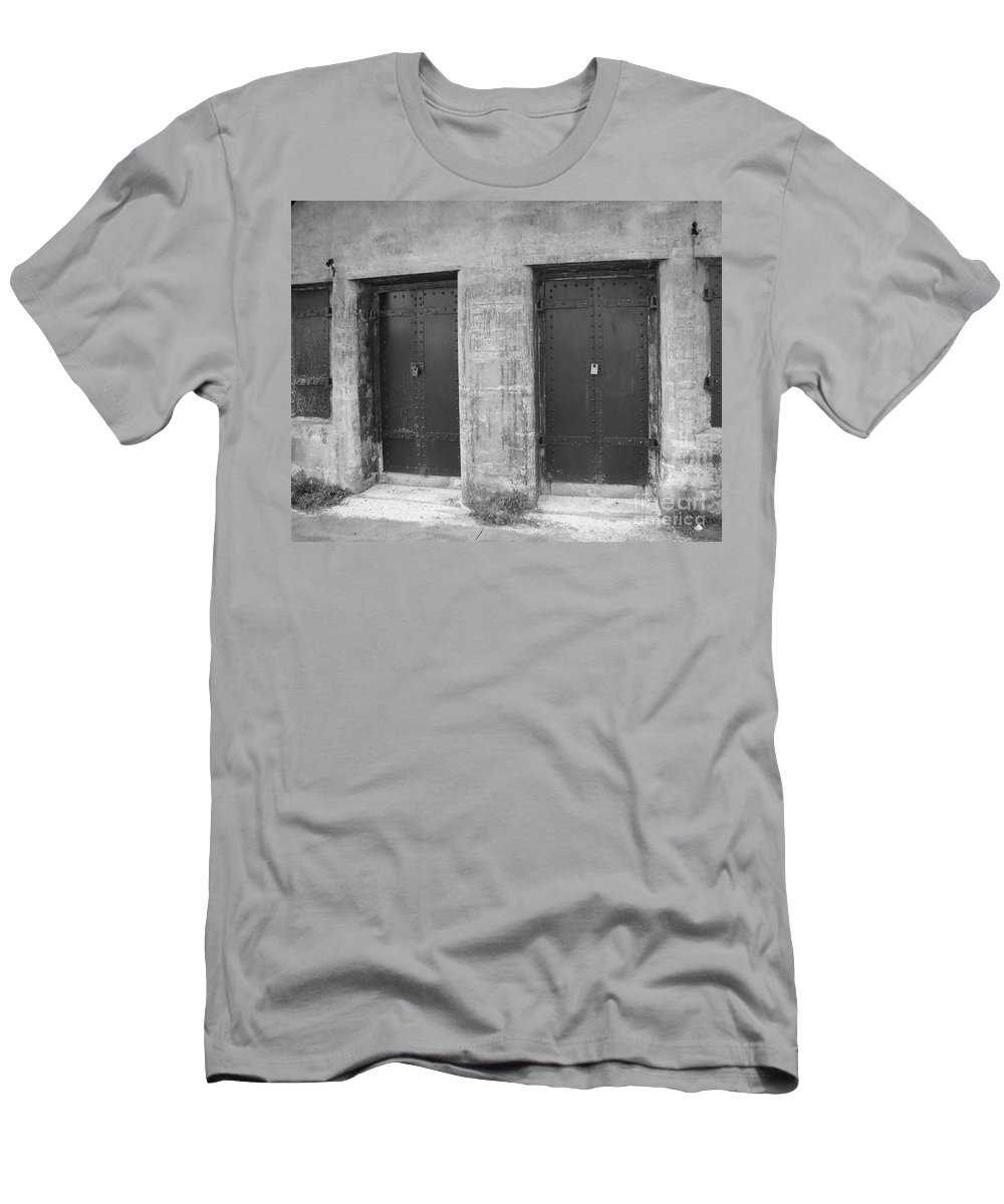 Black And White Men's T-Shirt (Athletic Fit) featuring the photograph No Escape by Michelle Powell