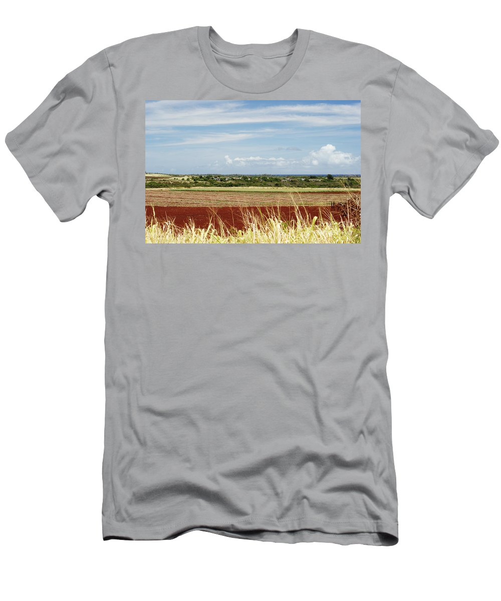 Afternoon Men's T-Shirt (Athletic Fit) featuring the photograph Oahu, Wailua by Vince Cavataio - Printscapes