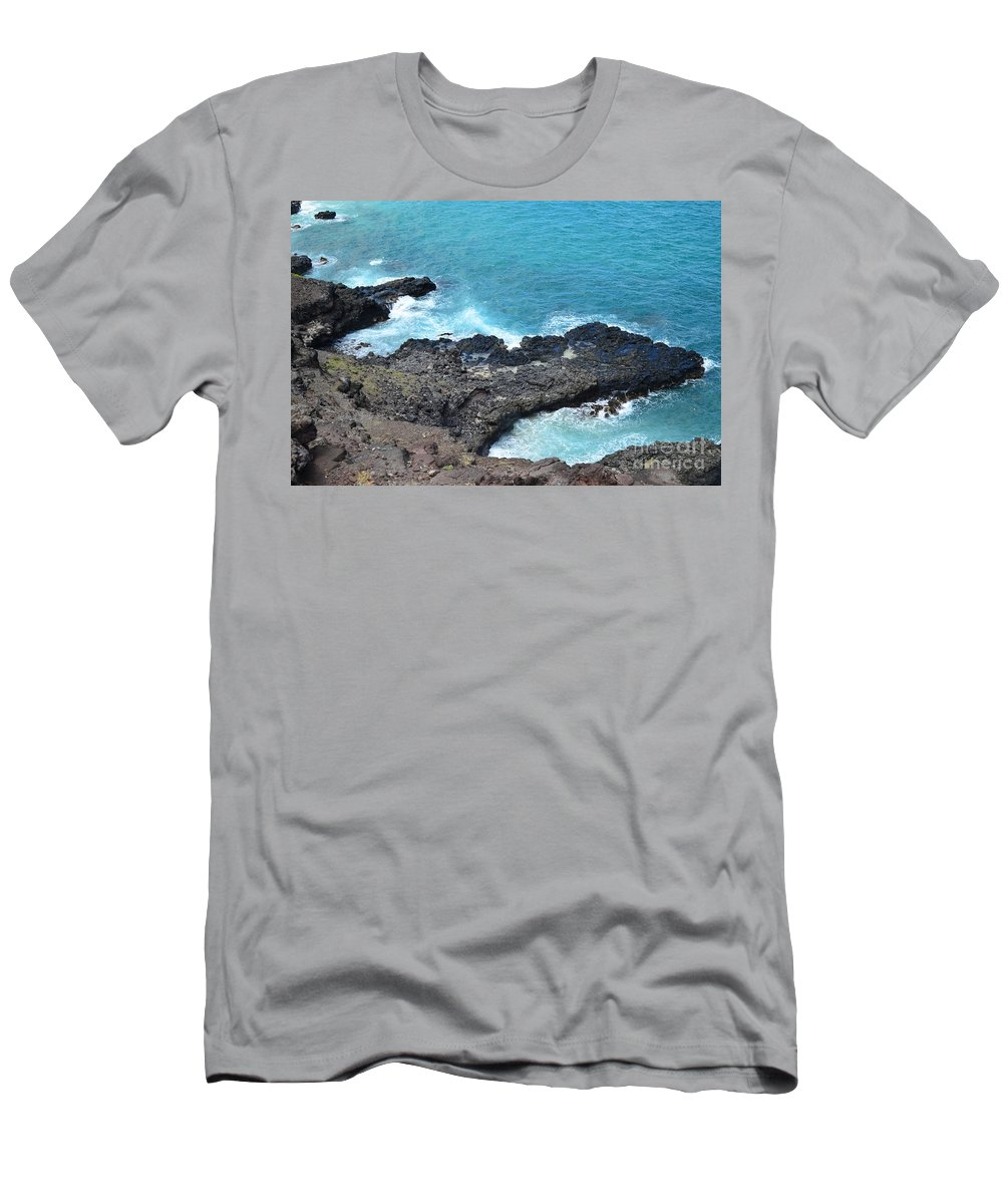 Hawaii Men's T-Shirt (Athletic Fit) featuring the photograph Ocean Inlet by Stephanie Bland