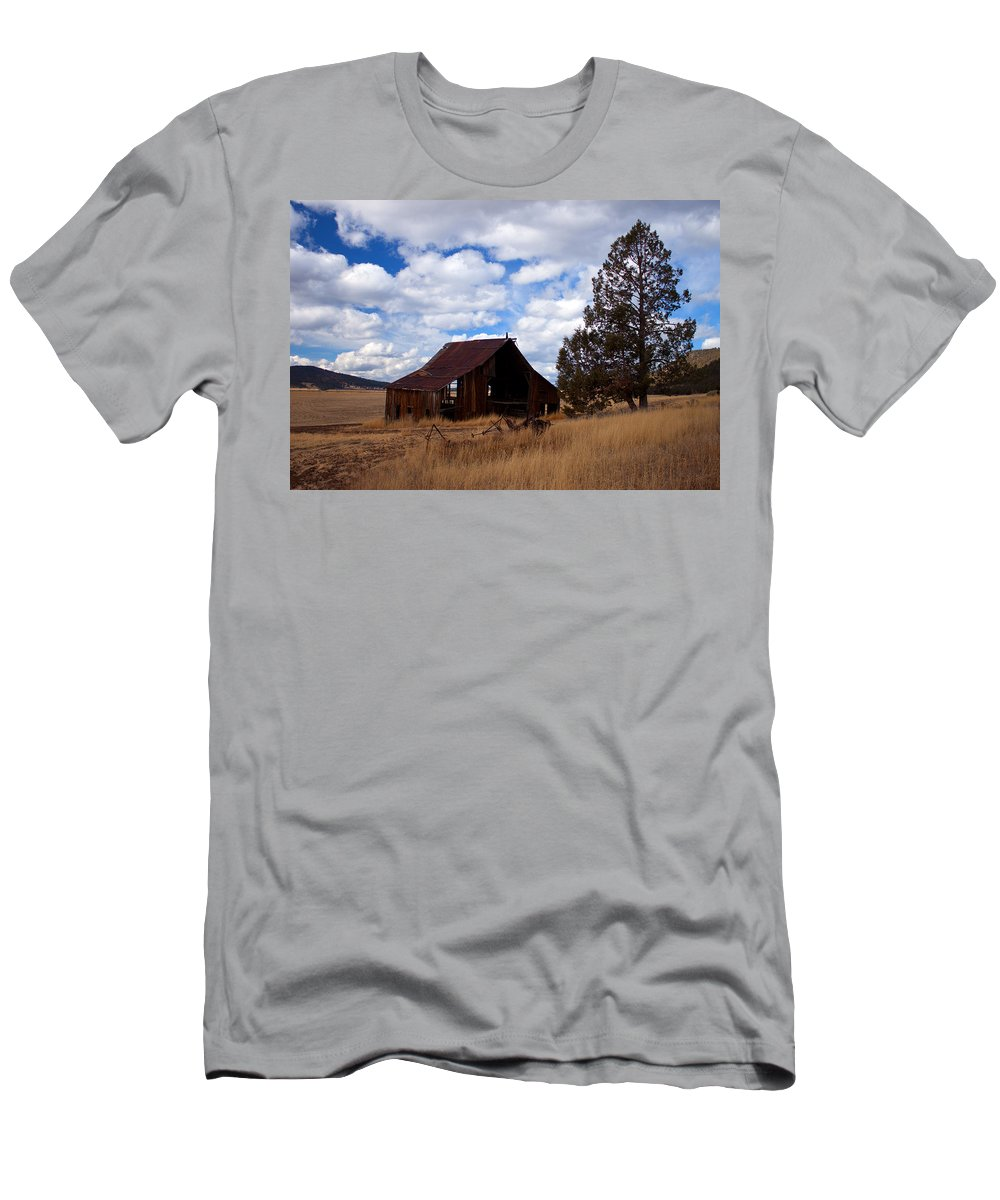 Barn Men's T-Shirt (Athletic Fit) featuring the photograph Old Barn by Merrill Beck