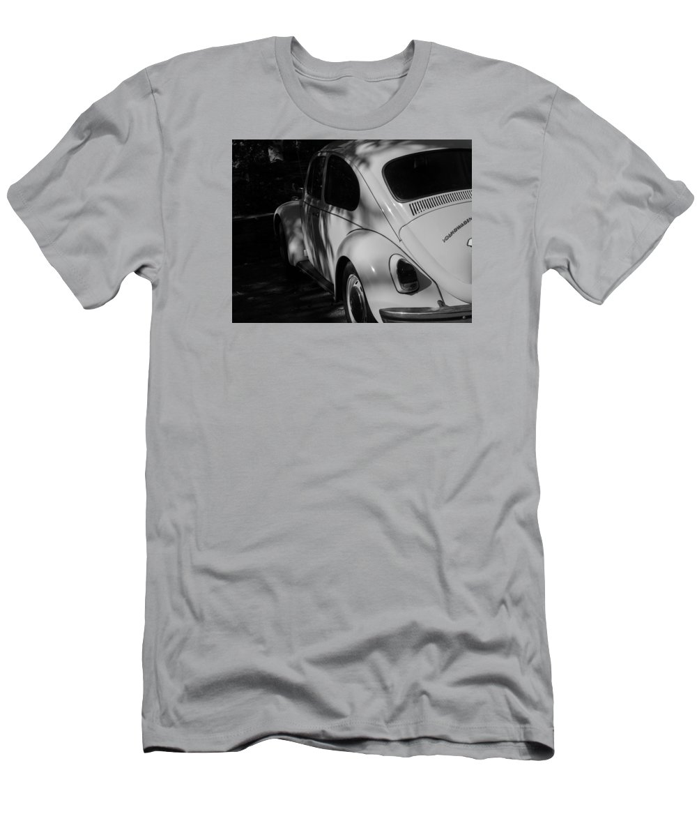 Landscape Men's T-Shirt (Athletic Fit) featuring the photograph Old Car by William Hamilton