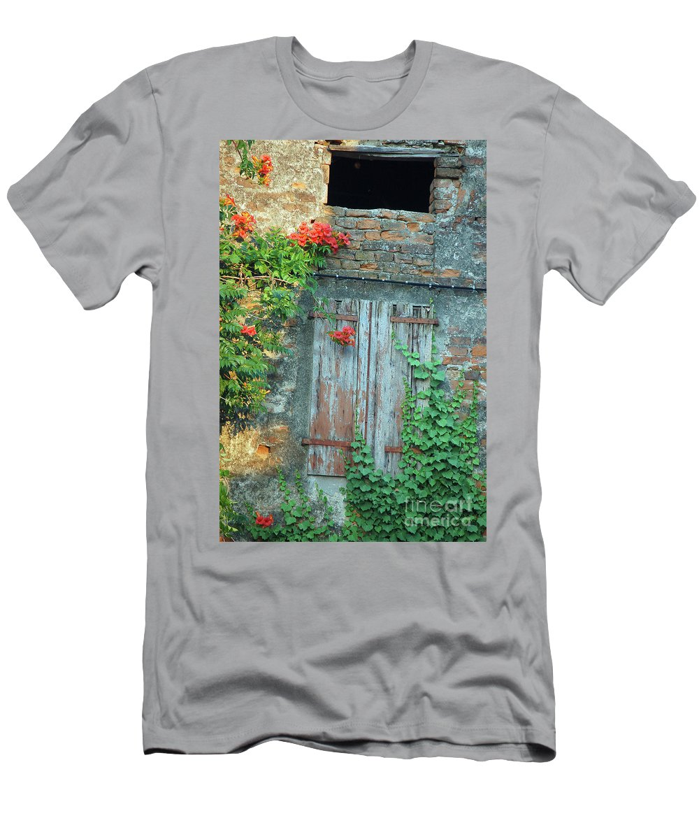 Farm Door Men's T-Shirt (Athletic Fit) featuring the photograph Old Farm Door by Frank Stallone