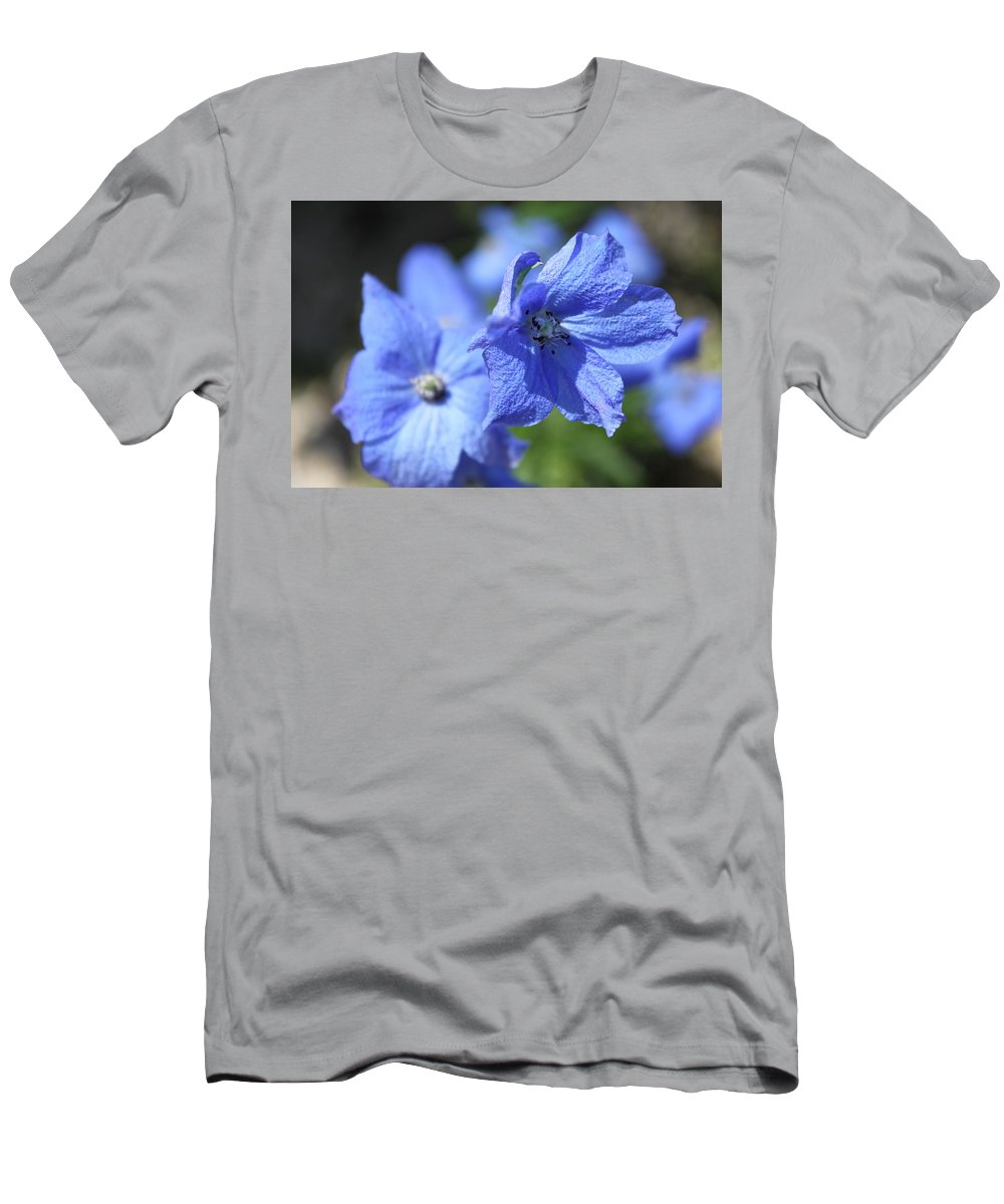 Flower Men's T-Shirt (Athletic Fit) featuring the photograph Periwinkle Flower by Lauri Novak
