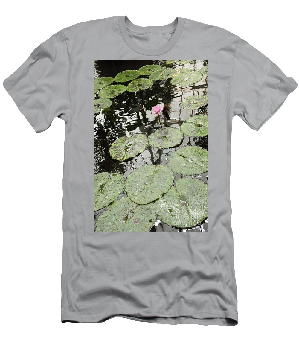 Ond Men's T-Shirt (Athletic Fit) featuring the photograph Pink Water Lily by Carol Groenen