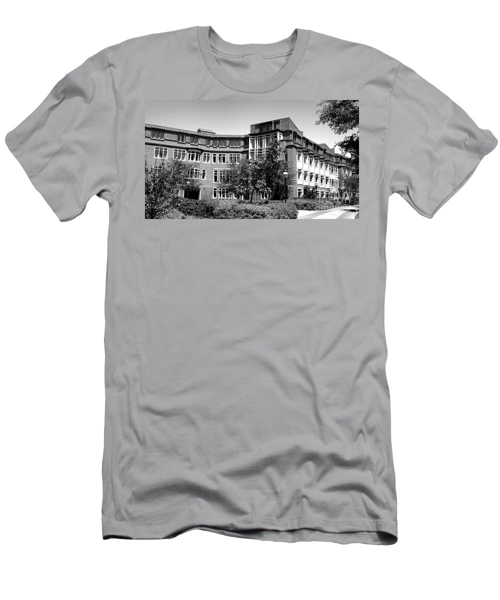 Princeton Men's T-Shirt (Athletic Fit) featuring the photograph Princeton University Bloomberg Hall by Olivier Le Queinec
