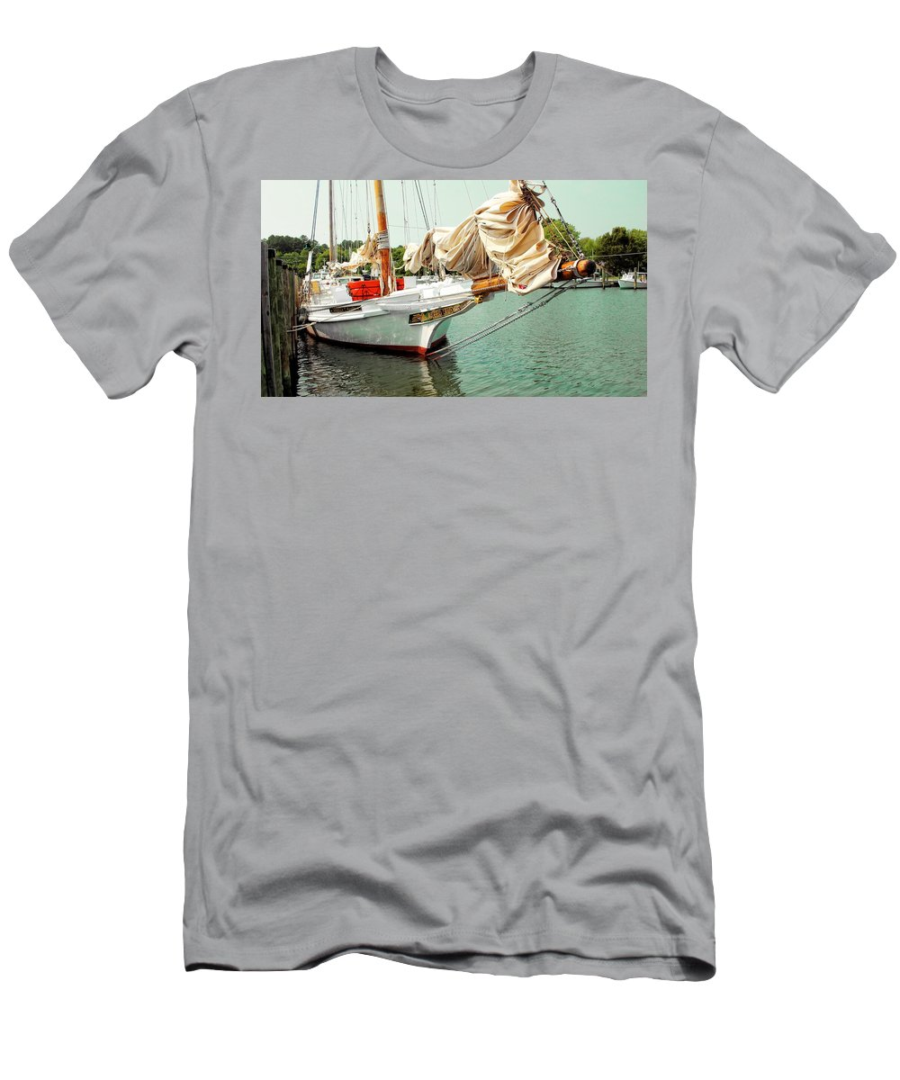 Chesapeake Men's T-Shirt (Athletic Fit) featuring the photograph Rebecca T. Ruark by Robert McCulloch