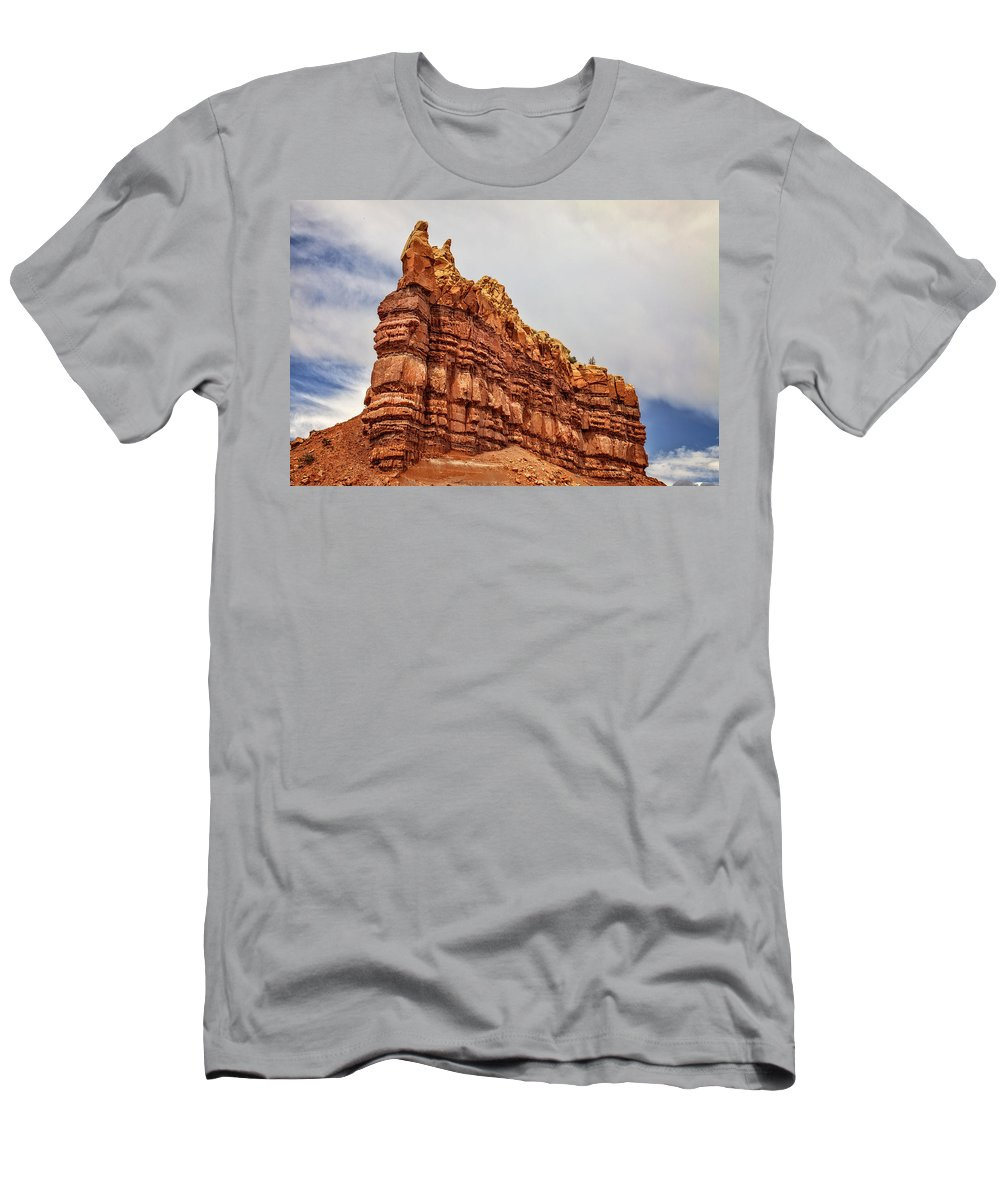 Abiquiu Men's T-Shirt (Athletic Fit) featuring the photograph Red Spires by Diana Powell