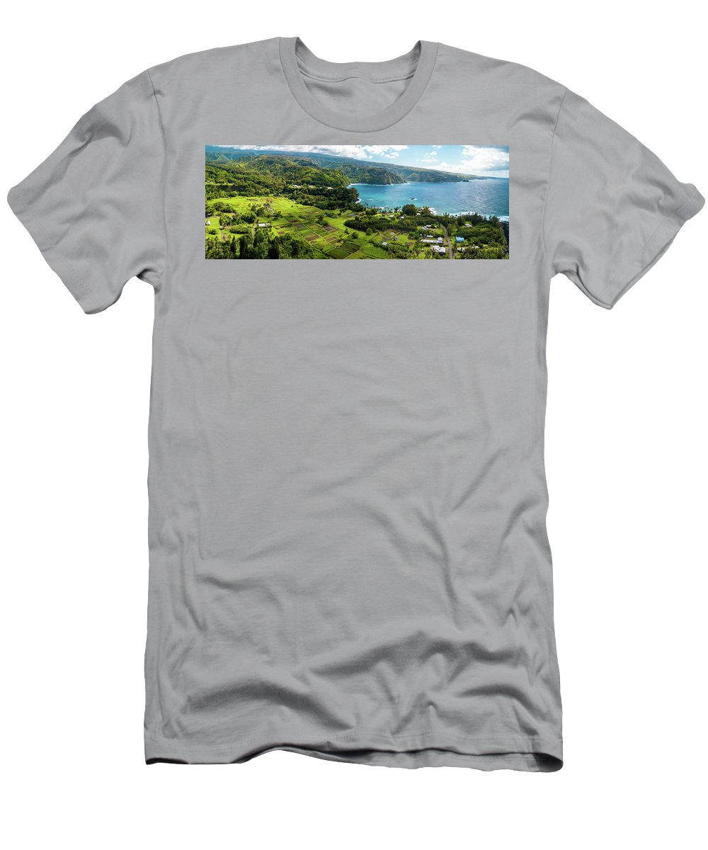 Maui Men's T-Shirt (Athletic Fit) featuring the photograph Road To Hana by Scott Moore