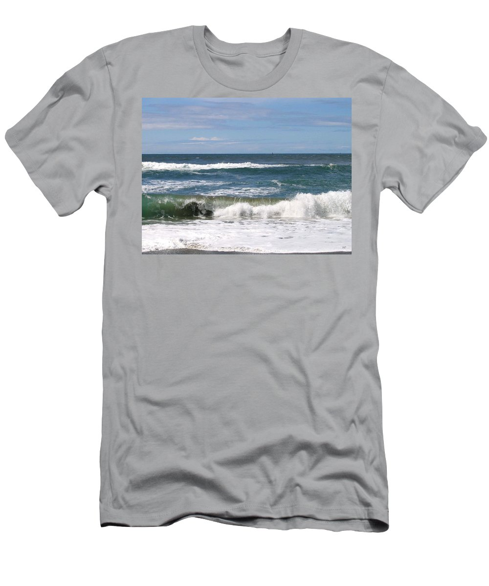 Seascape Men's T-Shirt (Athletic Fit) featuring the photograph Rolling Ashore by Will Borden