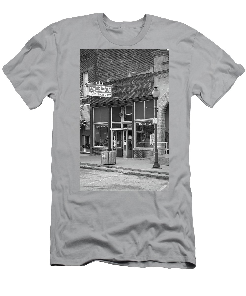 66 Men's T-Shirt (Athletic Fit) featuring the photograph Route 66 - Chenoa Pharmacy by Frank Romeo