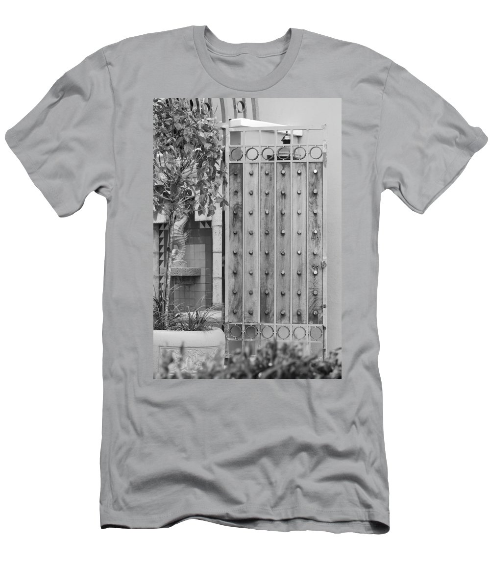 Black And White Men's T-Shirt (Athletic Fit) featuring the photograph Sea Horse Gate by Rob Hans