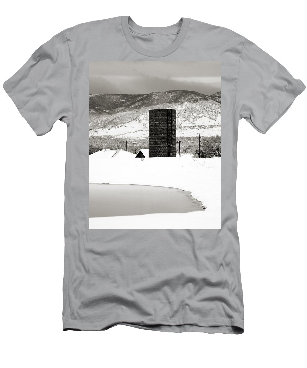 Colorado Men's T-Shirt (Athletic Fit) featuring the photograph Silo And Silence by Marilyn Hunt