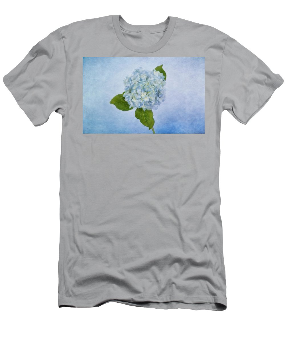Flower Men's T-Shirt (Athletic Fit) featuring the photograph Sing Me The Blues by Kim Hojnacki
