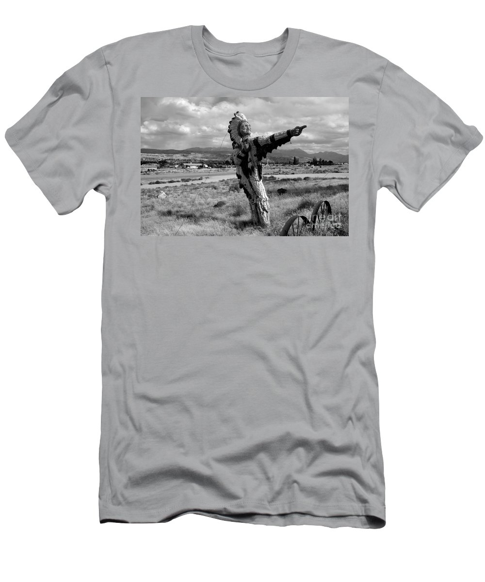 Moab Utah Men's T-Shirt (Athletic Fit) featuring the photograph Spanish Valley Indian by David Lee Thompson