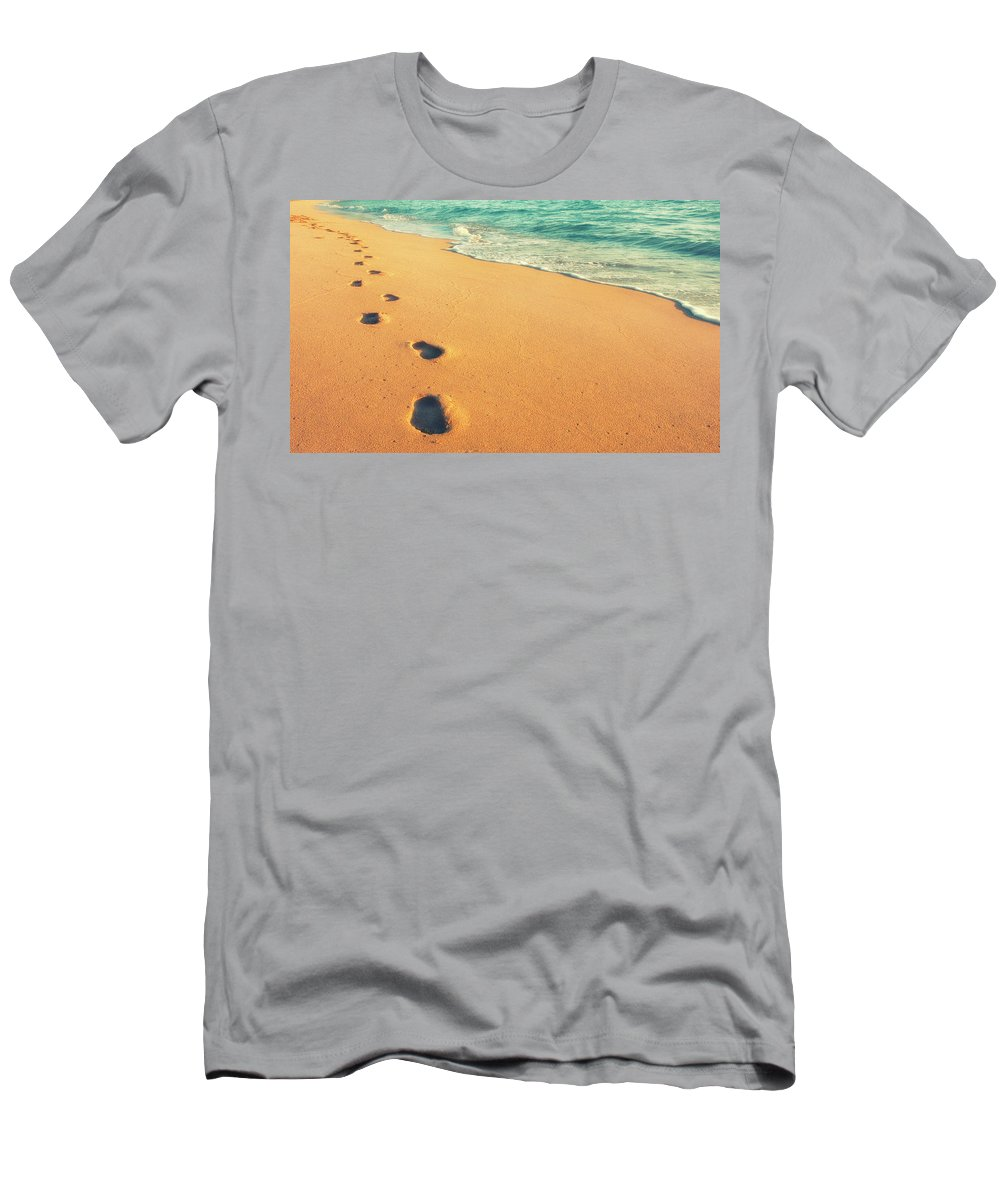 Usa Men's T-Shirt (Athletic Fit) featuring the photograph Sunrise Walk by Savanah Plank