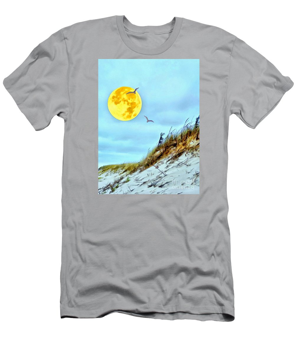 Supermoon Men's T-Shirt (Athletic Fit) featuring the photograph Super Moon 09-27-15 by Helene Guertin
