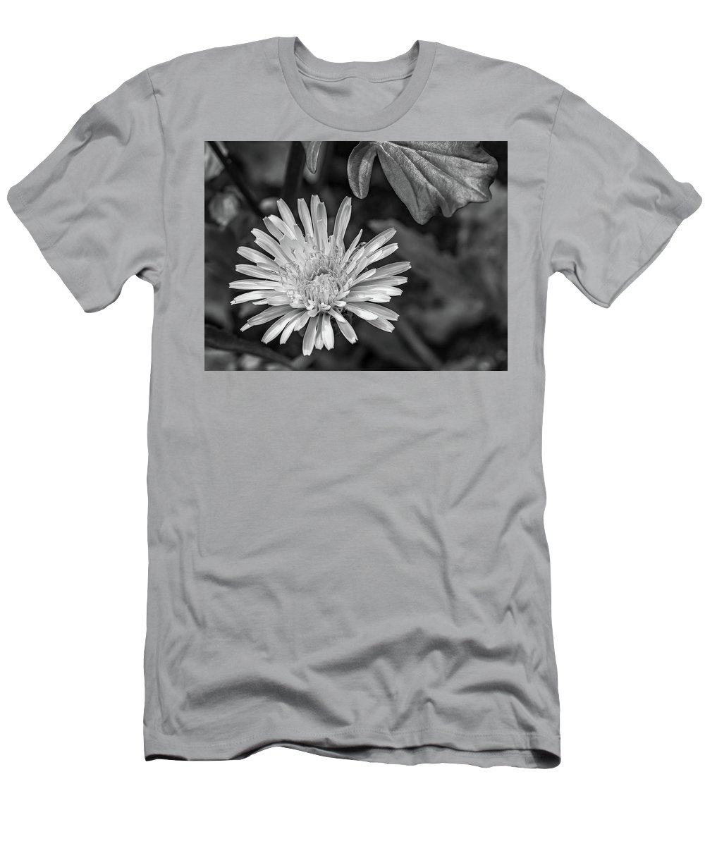 Flora Men's T-Shirt (Athletic Fit) featuring the photograph The Lawn King Bw by Steve Harrington