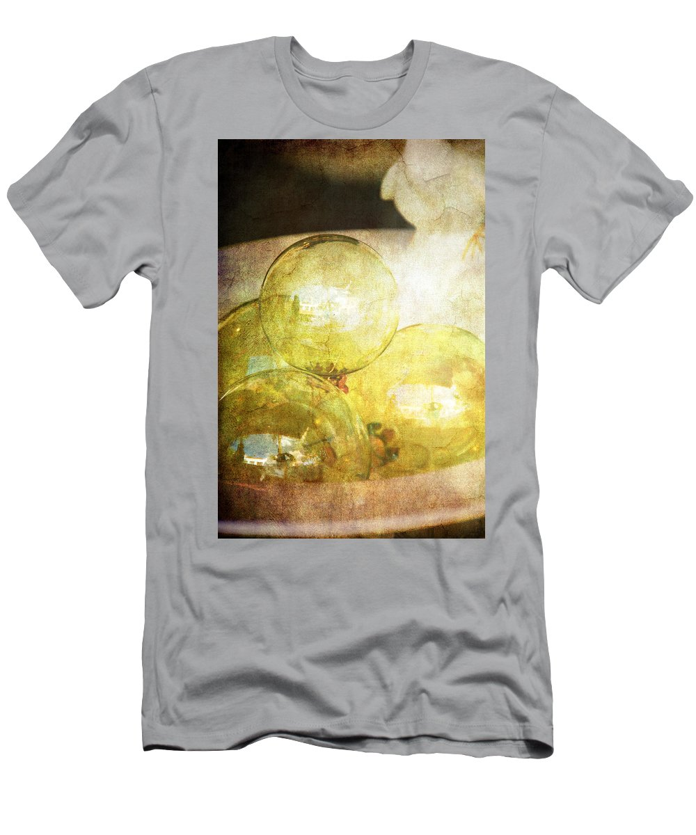 Christmas Men's T-Shirt (Athletic Fit) featuring the photograph The Magic Of Christmas by Susanne Van Hulst