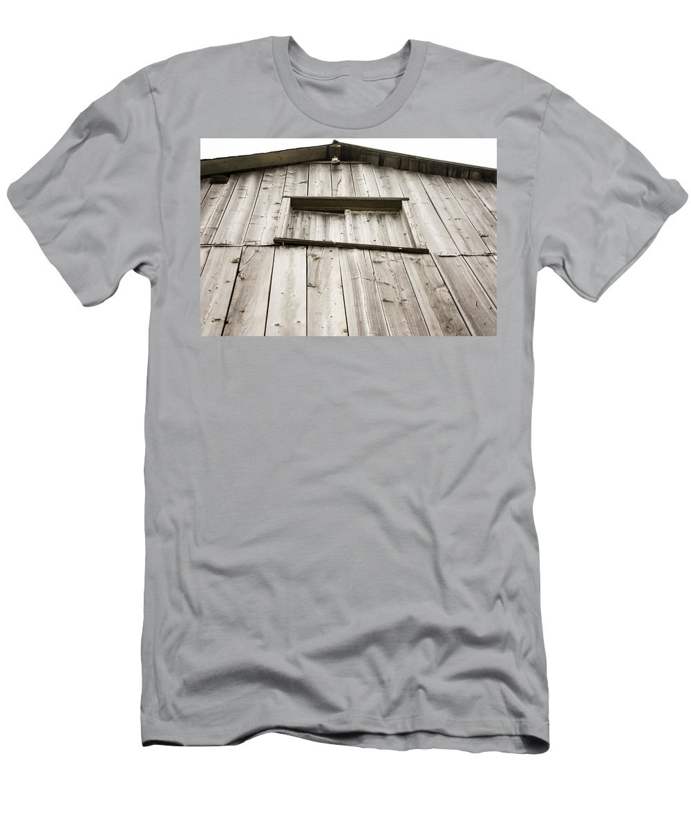 The Peak Of The Amana Farmer's Market Barn Men's T-Shirt (Athletic Fit) featuring the photograph The Peak Of The Amana Farmer's Market Barn by Cynthia Woods