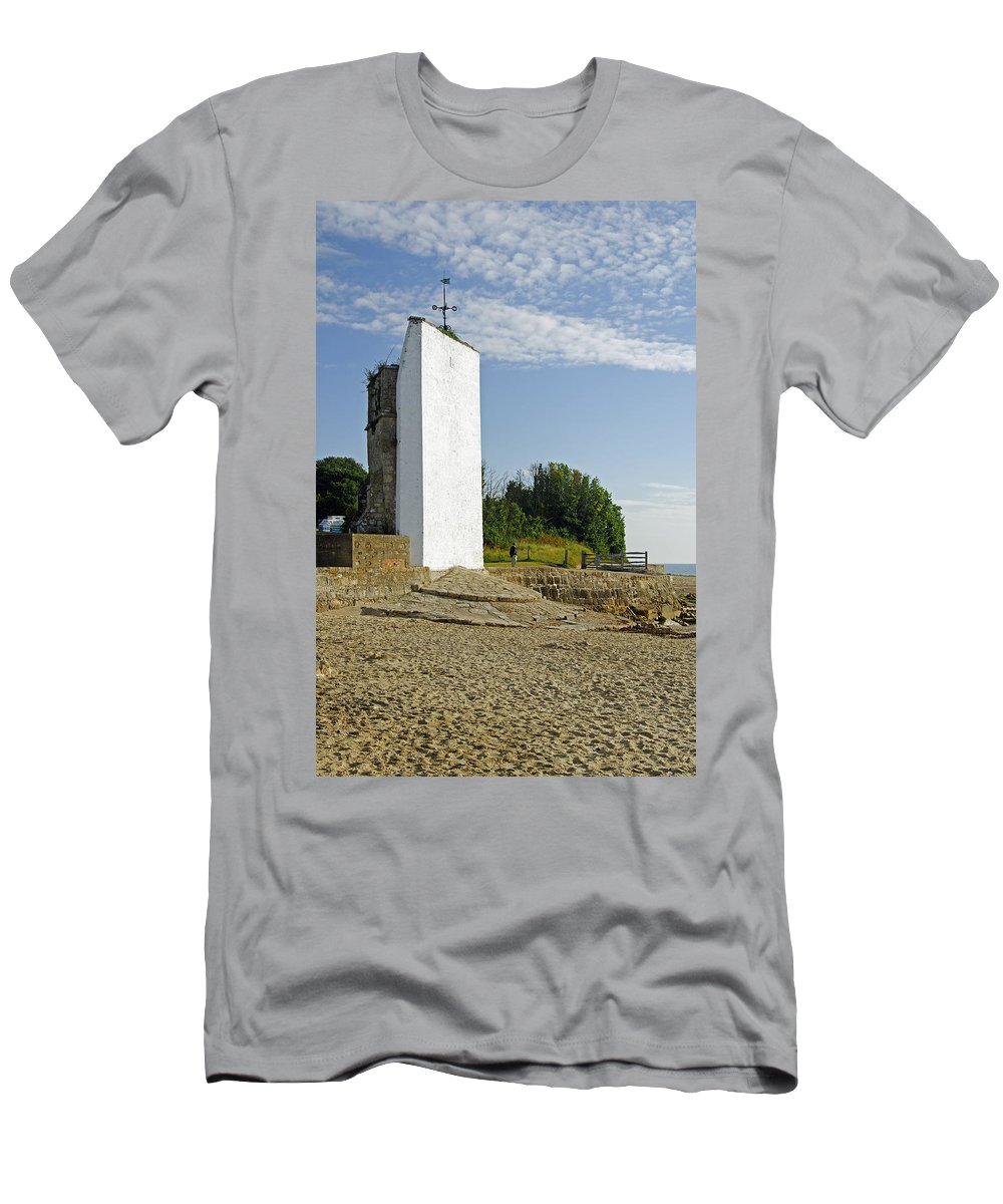St Helens Men's T-Shirt (Athletic Fit) featuring the photograph The Seamark On St Helens Beach by Rod Johnson