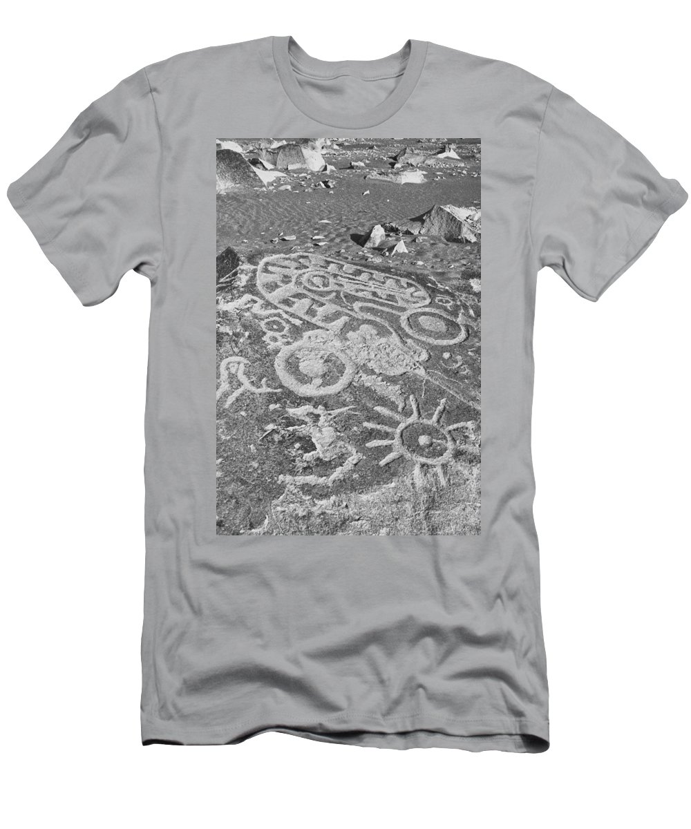 Toro Muerte Men's T-Shirt (Athletic Fit) featuring the photograph Toro Muerte by Omar Shafey