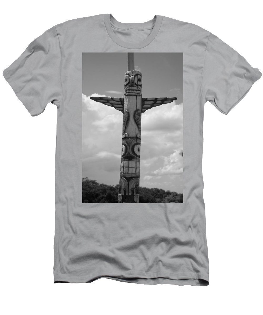 Black And White Men's T-Shirt (Athletic Fit) featuring the photograph Totum by Rob Hans